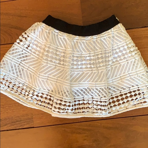 Milly Minis Other - MILLY MINI size 2 white lace skirt